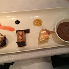 Sampler dessert option....